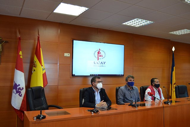 Firma del acuerdo entre la UCAV y la Casa Social Católica.