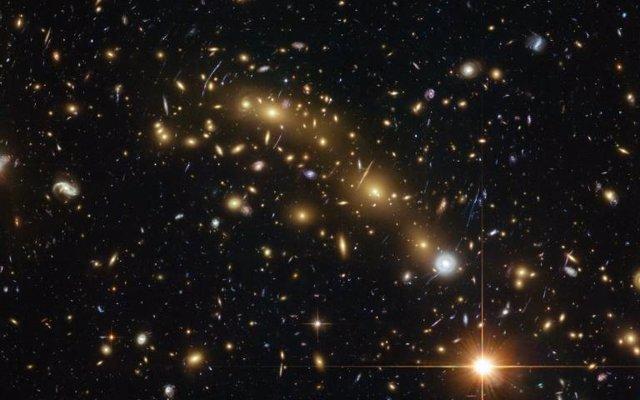 Galaxias en el universo distante