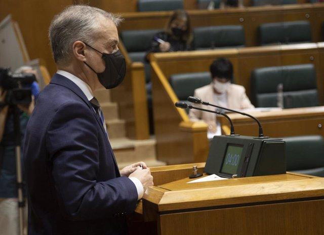 El lehendakari, Iñigo Urkullu, en el pleno de control del Parlamento vasco