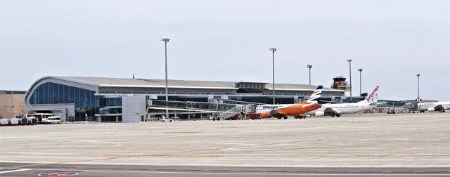 Archivo - Arxiu - Aeroport de Menorca
