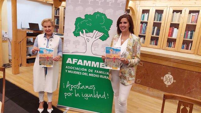 La coordinadora regional de Reto Demográfico de Afammer, Yolanda Martínez, y la presidenta nacional de la asociación, Carmen Quintanilla