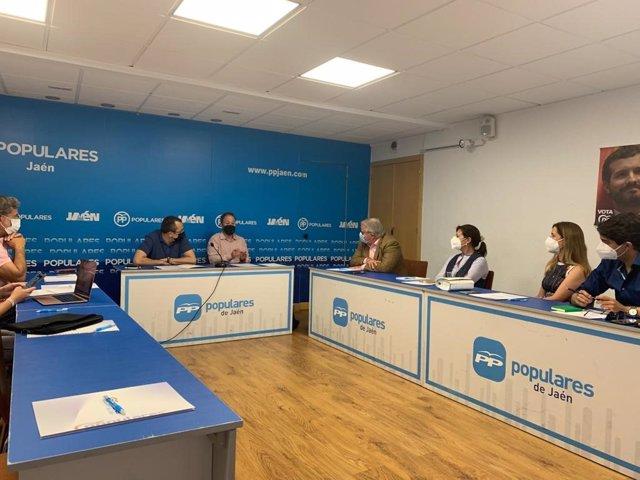 Reunión con el grupo del PP en el Ayuntamiento de Jaén.