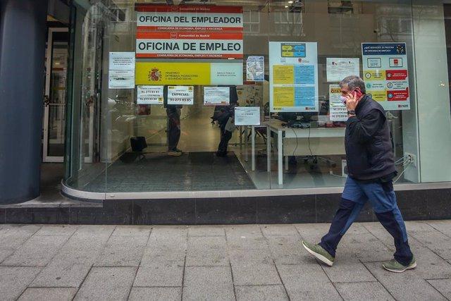 Archivo - Ofina de empleo en Madrid