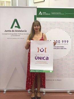 La asesora del IAM en Córdoba, Lourdes Arroyo, en la presentación de la ventanilla única.