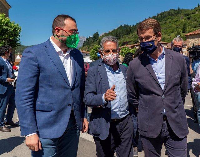 Los presidentes de Cantabria, Miguel Ángel Revilla; Asturias, Adrián Barbón; y Galiica, Alberto Núñez Feijoo, en Potes.