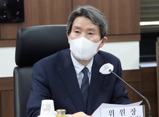Archivo - El ministro de Unificación de Corea del Sur, Lee In Young.