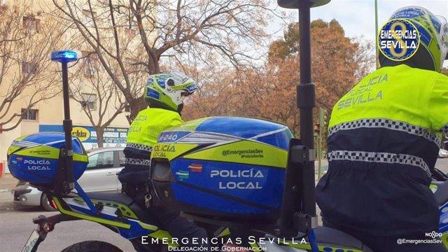 Motoristas de la Policía Local hispalense