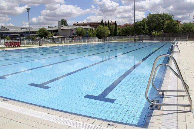 Archivo - Piscina de la Ciudad Deportiva de Arganda
