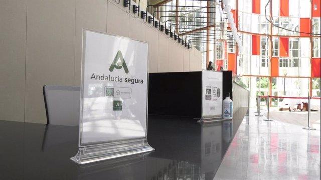 Archivo - Imagen de un establecimiento con el distintitivo 'Andalucía Segura'.