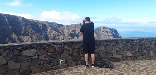 Visita a La Gomera del periodista independiente de la BBC Richard Franks