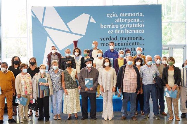 Acto de reconocimiento del Gobierno Vasco a las víctimas de violencia política en Bilbao