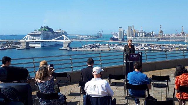 La sotsdirectora general del Port de Barcelona, Carla Salvadó, en roda de premsa
