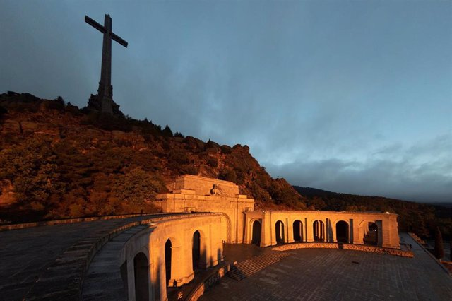 Archivo - Vista de la explanada de la Basílica del Valle de los Caídos.