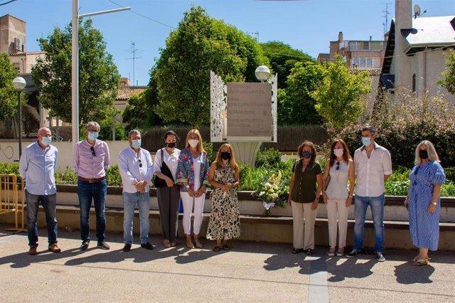 El PP del Ayuntamiento de Huesca rinde homenaje en solitario a las víctimas del terrorismo.