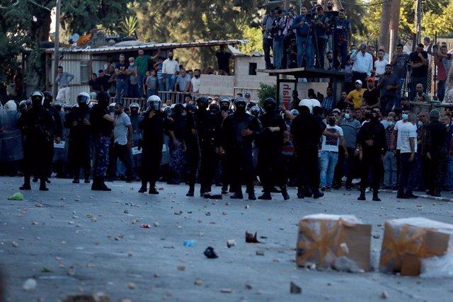 Protesta a Ramallah (Cisjordània) contra la mort del dissident palestí Nizar Banat