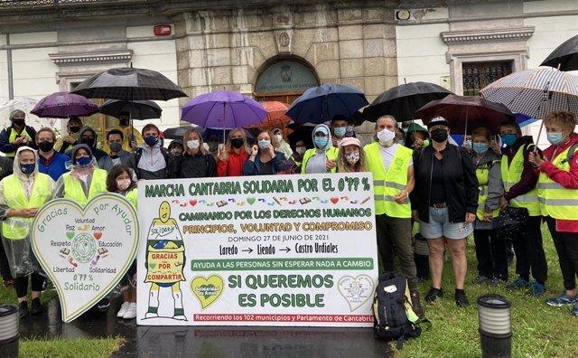 Marcha Cantabria Solidaria por el 0,77% de Laredo a Castro Urdiales.