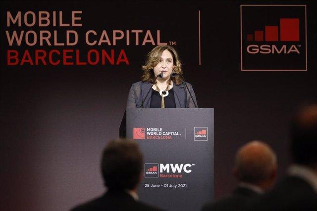 L'alcaldessa de Barcelona, Ada Colau, en el sopar inaugural del MWC 2021