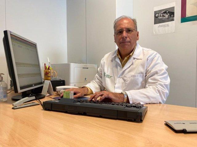 El vicepresidente de la Sociedad Española Multidisciplinar del Dolor (SEMDOR), doctor Pedro Juan Ibor Vidal.