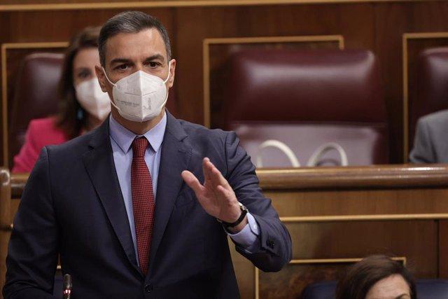 El presidente del Gobierno, Pedro Sánchez, interviene en una sesión de control al Gobierno en el Congreso de los Diputados, a 23 de junio de 2021, en Madrid, (España).