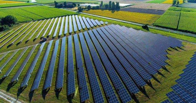 Amazon aumenta a 520 megavatios su capacidad renovable en España con un quinto proyecto en Castilla-La Mancha