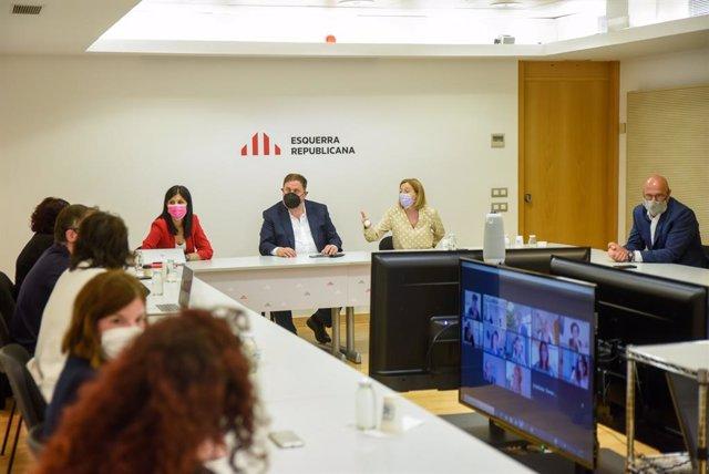 Reunió extraordinària de la Permanent Nacional d'ERC amb Marta Vilalta, Oriol Junqueras, Carme Forcadell, Raül Romeva i Dolors Bassa.