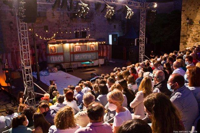 Público en la representación de Anfitrión que cerró el 32 Festival de Teatro Clásico de Cáceres