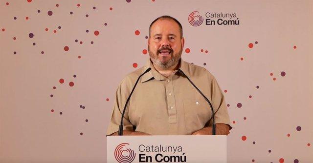 Archivo - Arxiu - El portaveu dels comuns i diputat al Congrés, Joan Mena, en una conferència de premsa