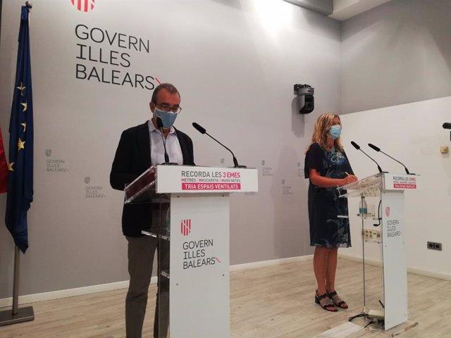 El vicepresidente del Govern, Juan Pedro Yllanes, y la consellera de Salud, Patricia Gómez, durante la rueda de prensa posterior al Consell de Govern de este lunes.