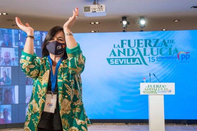 Archivo - La presidenta del PP de Sevilla, Virginia Pérez, durante el congreso provincial