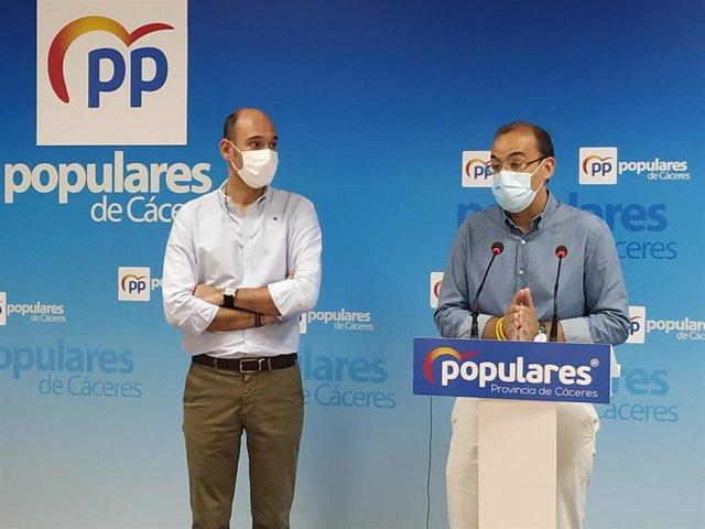 El portavoz del PP en el Ayuntamiento de Cáceres, Rafael Mateos, hace balance de los dos años de Gobierno del PSOE