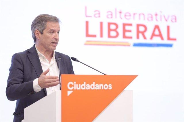 El vicesecretario general y secretario de Comunicación de Ciudadanos, Daniel Pérez, ofrece una rueda de prensa posterior a la reunión del Comité Permanente de Ciudadanos, a 28 de junio de 2021, en Madrid (España). Durante la comparecencia, ha informado qu
