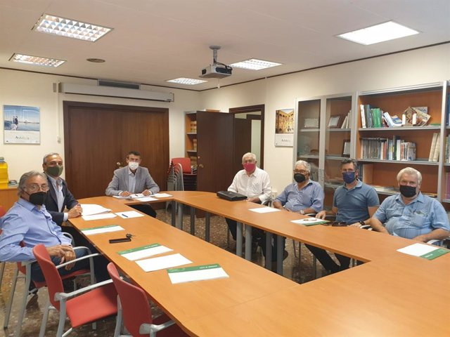 Reunión de la Junta informa con los ganaderos de lidia para informar de ayudas