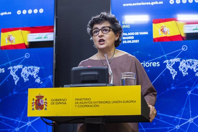 La Ministra de Exteriores, Arancha González Laya, interviene en una rueda de prensa con su homólogo iraquí, a 25 de junio de 2021, en el Palacio de Viana, Madrid, (España).
