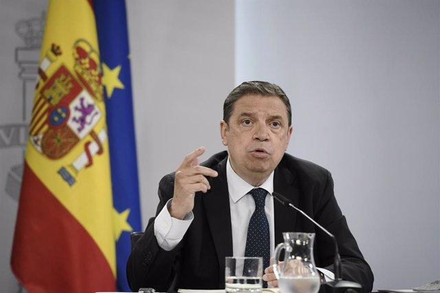 El ministro de Agricultura, Pesca y Alimentación, Luis Planas, comparece en rueda de prensa posterior al Consejo de Ministros en Moncloa, a 1 de junio de 2021, en Madrid, (España).
