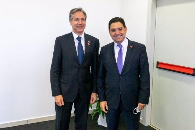 El secretario de Estado norteamericano, Antony Blinken, y el ministro de Exteriores marroquí, Nasser Bourita, en su encuentro en Roma