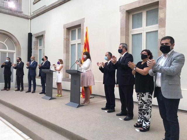 La presidenta del Parlament, Laura Borràs, recibe a los indultados del 1-O en la Cámara catalana a 28 de junio de 2021, en Barcelona.