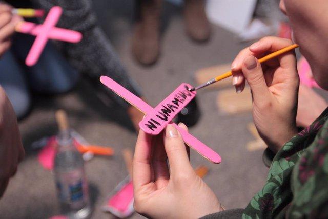 Archivo - Imagen de archivo de un acto de protesta contra los feminicidios.
