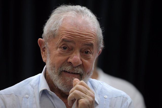Archivo - 30 January 2020, Brazil, Sao Paulo: Former Brazilian President Luiz Inacio Lula Da Silva takes part in an act against Nazism. On that occasion, Lula received a letter of support and solidarity from the Jewish community. Photo: Paulo Lopes/ZUMA W