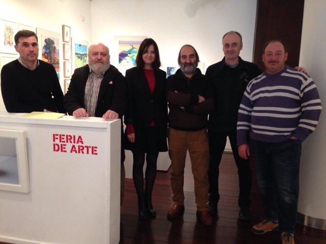Carlos Fuentes, primero por la izquierda, nuevo gerente de la Fundación Caja Rioja