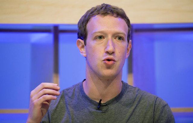 Archivo - FILED - 25 February 2016, Berlin: Facebook CEO Mark Zuckerberg speaks during the Facebook Innovation Hub. Facebook founder and chief executive Mark Zuckerberg is to attend the Munich Security Conference next month, a spokesman for the social net
