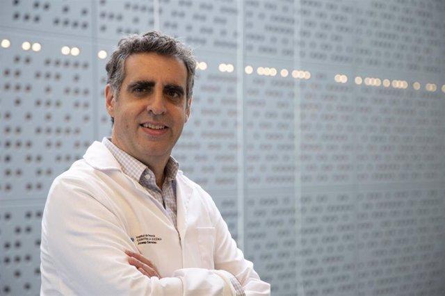 Archivo - El director del Institut de Recerca contra la Leucèmia Josep Carreras, investigador Icrea y catedrático de la Universitat de Barcelona (UB), Manel Esteller