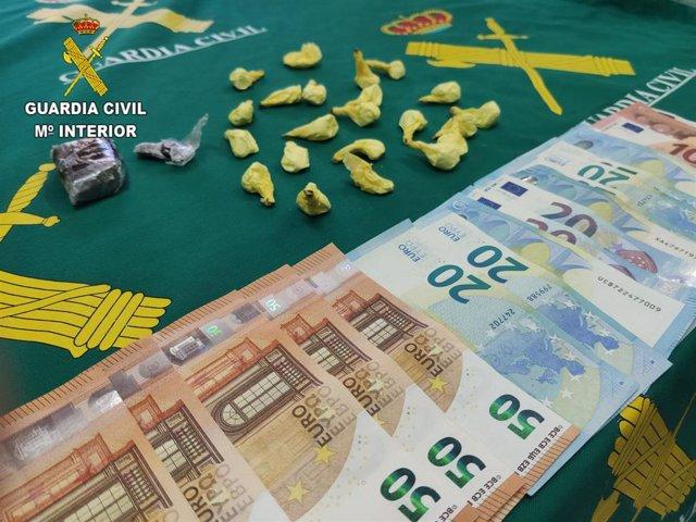 La Guardia Civil detiene a una persona por tráfico de drogas en Torija.