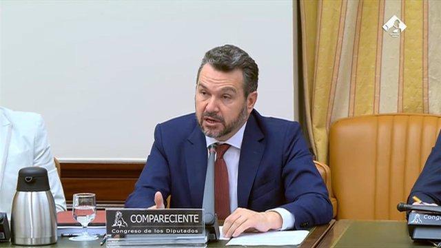 El presidente de la Comisión Nacional del Mercado de Valores (CNMV), Rodrigo Buenaventura, presenta su informe anual en la comisión de asuntos económicos.