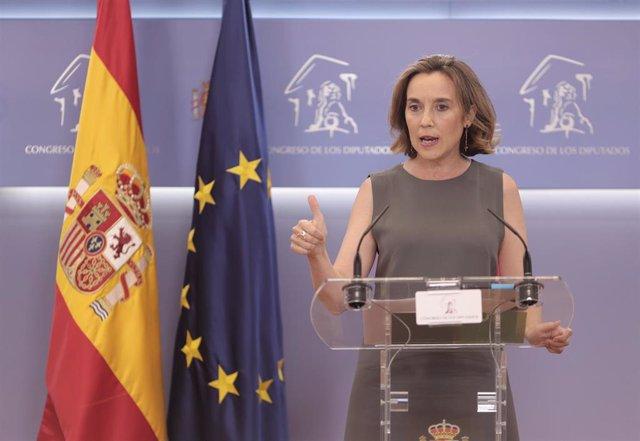 La portavoz del PP en el Congreso de los Diputados, Cuca Gamarra, interviene en una rueda de prensa anterior a una reunión de la Junta de Portavoces en el Congreso de los Diputados, a 22 de junio de 2021, en Madrid, (España).