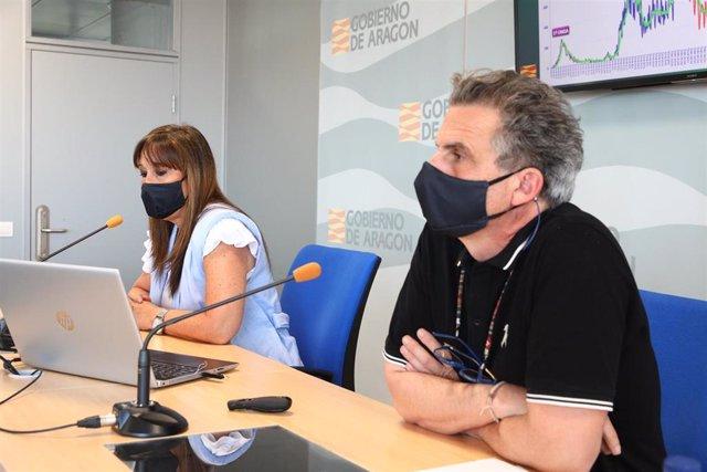 El director general de Salud Pública, Francisco Javier Falo, y la consejera de Sanidad, Sira Repollés