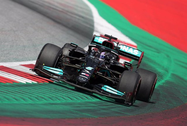 27 June 2021, Austria, Spielberg: British F1 driver Lewis Hamilton of team Mercedes competes in the Grand Prix of Styria at the Red Bull Ring. Photo: Georg Hochmuth/APA/dpa