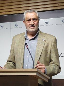 Archivo - El presidente de la Diputación de Cáceres, Carlos Carlos