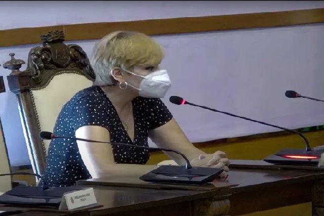 María Cantos durante su intervención en el pleno