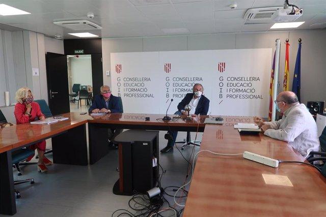 El conseller de Educación y Formación Profesional, Martí March, en una reunión para tratar el proyecto de la Ley de Educación.