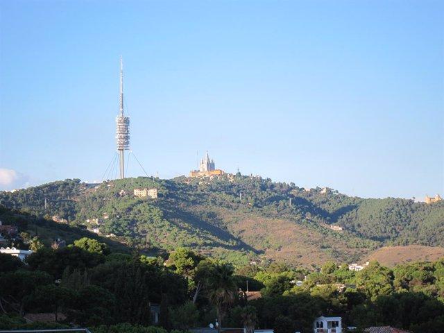 Archivo - Arxiu - La serra de Collserola i el Tibidabo